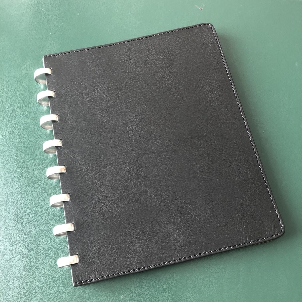Livre Atoma A5 en cuire Noir
